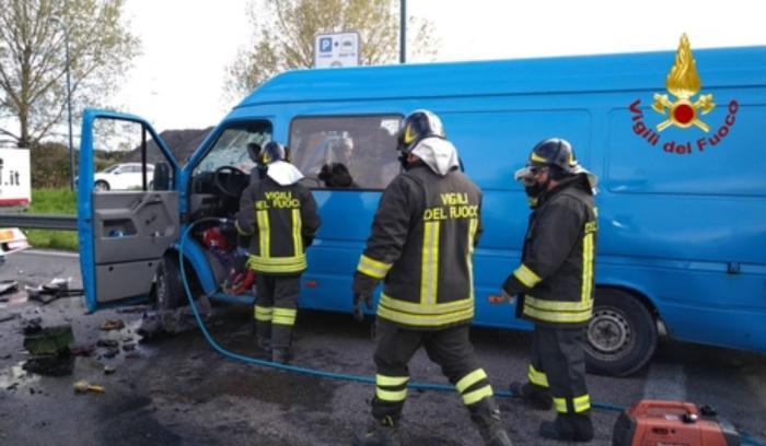Microbuz cu români implicat într-un accident în localitatea Malcontenta