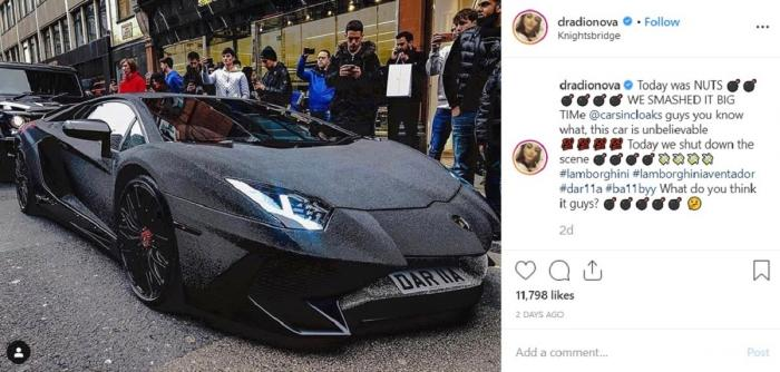 O moldoveancă a blocat o stradă din Londra cu un Lamborghini Aventador acoperit cu cristale Swarovski negre (Video)