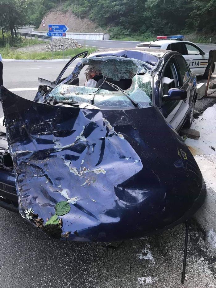 Un şofer de TIR a murit sub ochii copiilor lui, într-un accident groaznic, în Maramureş
