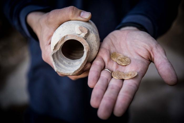 Monedele au fost descoperite în apropiere de Zidul Plângerii