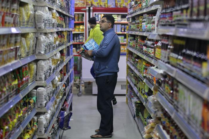 În prezent, supermarketurile din România au program doar până la ora 21.00