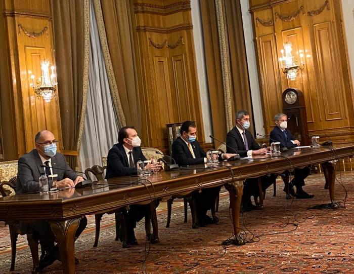 PNL, USR-PLUS şi UDMR au semnat acordul de guvernare