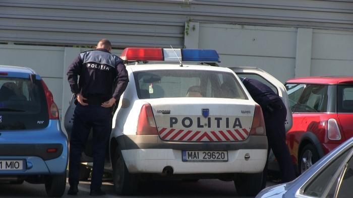 Tânăra care şi-a abandonat bebeluşul într-o pungă, în faţa blocului din Bucureşti, a fost găsită