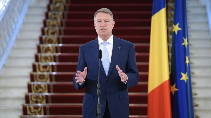 Klaus Iohannis face o declarație de presă