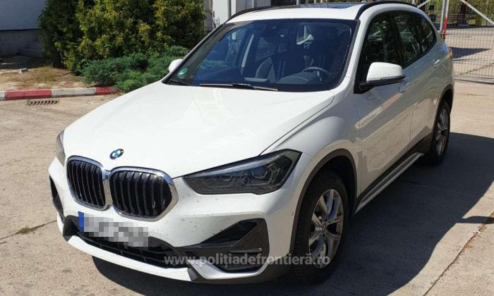 Un român cu BMW nou nouț luat din Germania a vrut să-l ducă în Moldova. A rămas fără mașină în vamă