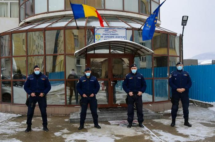 Jandarmii bistrițeni au scos din flăcări 4 copii