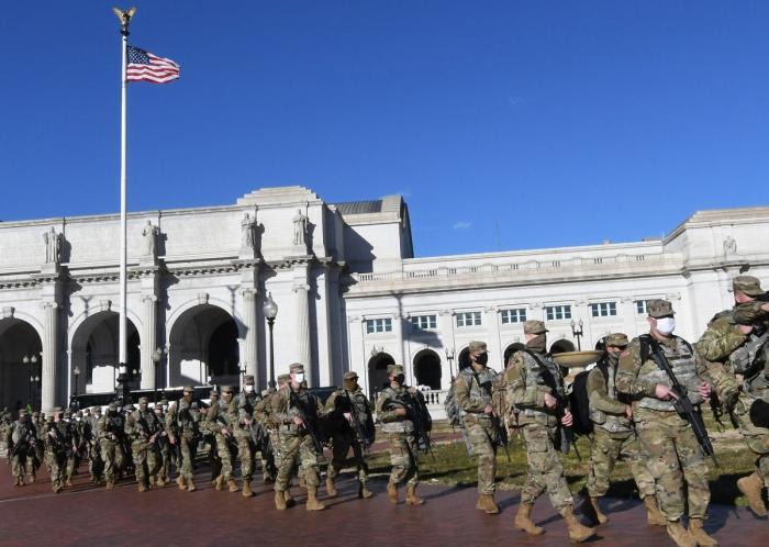 Atmoferă de asediu la Capitoliu