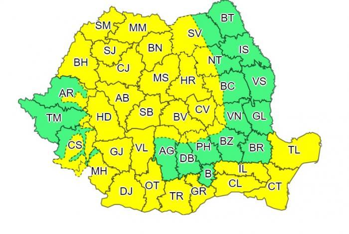 Alertă de vreme severă emisă de ANM. Cod galben în 35 de judeţe, meteorologii anunţă vânt puternic şi ninsori viscolite
