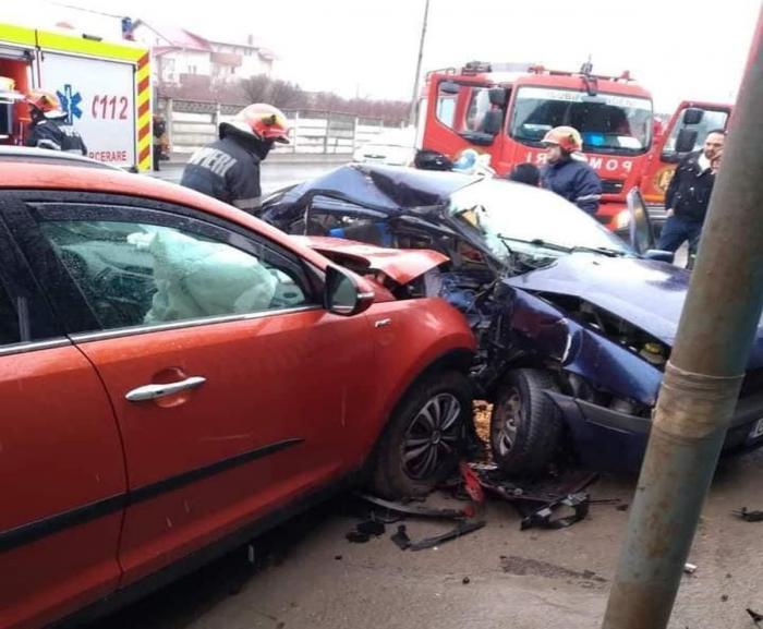 Accident grav în București. Un copil de 13 ani a murit în brațele medicilor, altul a fost transportat la spital