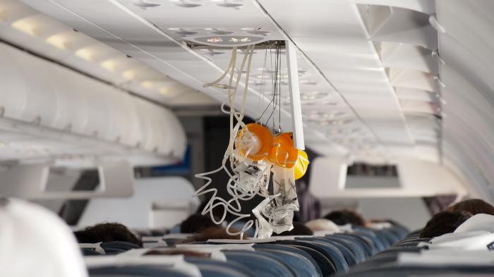 Un avion BlueAir de pe ruta Praga – București s-a depresurizat la 10.000 de metri altitudine
