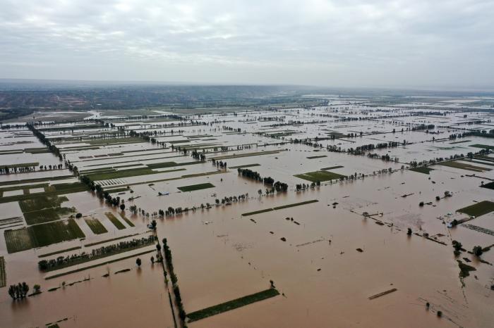 China, lovită de inundaţii severe, mai grave decât cele din vară. Aproape două milioane de oameni au fost afectaţi
