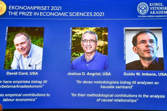 Trei specialişti în economie experimentală, David Card, Joshua Angrist şi Guido Imbens, au fost fost distinşi cu Premiul Nobel pentru Economie