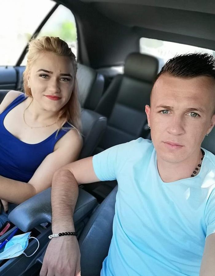 Carmen şi Florin, un cuplu de români din Ţara Galilor, plâng moartea fetiţei lor de 6 luni, după ce au fost loviţi în plin de şoferiţa unui BMW: ''Casa este goală fără ea''