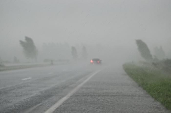 Ploi și vijelii în România