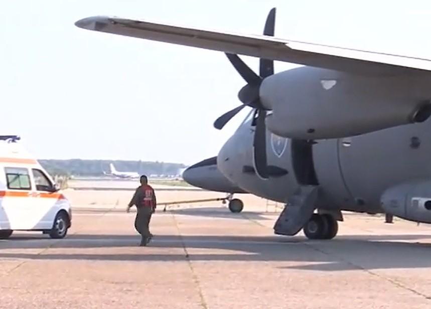 5.200 de doze de anticorpi monoclonali, folosiţi în tratamentul COVID-19, aduse din Italia cu o aeronavă C-27J Spartan a Forţelor Aeriene Române