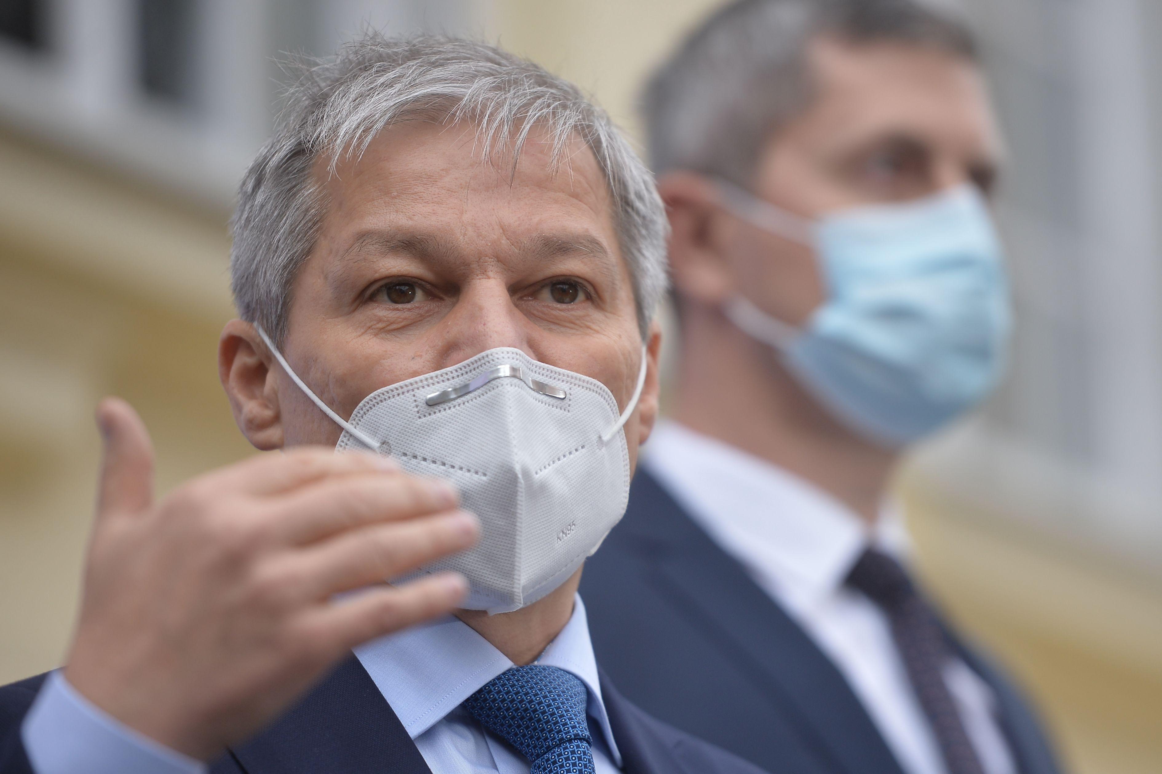 Dacian Cioloș, întâlnire cu liderii PNL, UDMR şi minorităţilor naţionale pentru formarea Guvernului