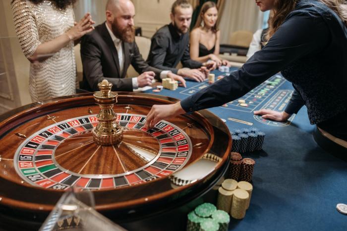 Care dintre jocurile de cazino sunt mai avantajoase