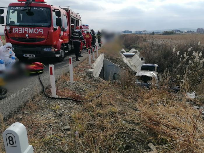 Trei persoane au murit şi una se află în stare gravă, în urma unui accident grav în Rădăuţi. Toţi se aflau într-un autoturism cu volan pe dreapta