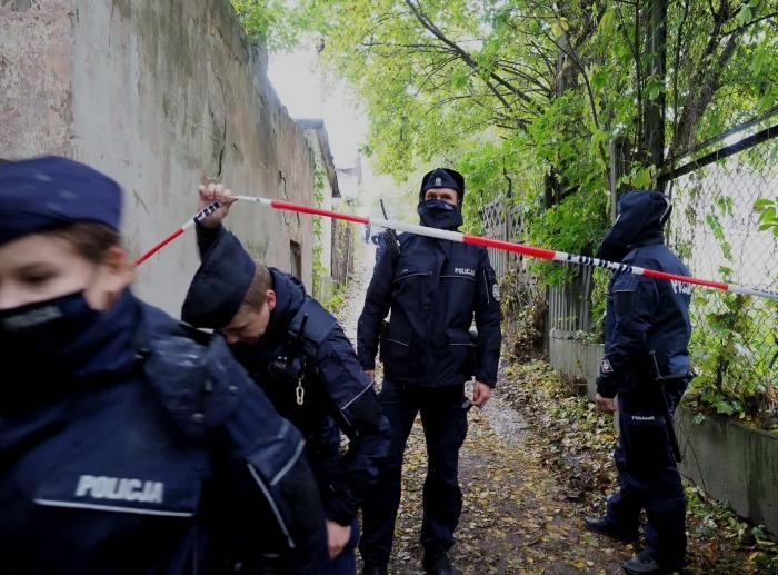 O mamă și-a ucis fără milă cei trei copilași, le-a luat viața când micuții erau în pătuțurile lor. Triplă crimă în Lublin, Polonia