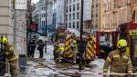 Londra, blocată de inundaţii după ploile de noaptea trecută. Apa a acoperit şoselele şi a oprit circulaţia la metrou   VIDEO