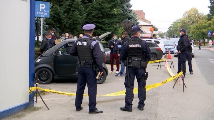 Tânărul care a încercat să se sinucidă în fața spitalului din Târgu Jiu, în stare gravă. Ce mesaj a transmis familiei, în biletul de adio