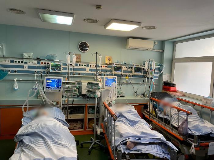 Imaginea disperării în spitalele din ţară: Paturi ATI căutate pe reţele de socializare de familiile bolnavilor