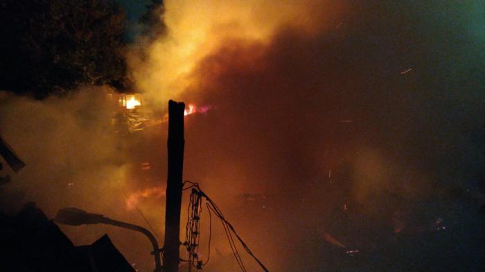 incendiu București 7 octombrie