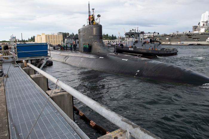"""Incident bizar în Marea Chinei de Sud: un submarin nuclear american, forţat să iasă la suprafaţă după ce a fost lovit de """"un obiect neidentificat"""" - VIDEO"""
