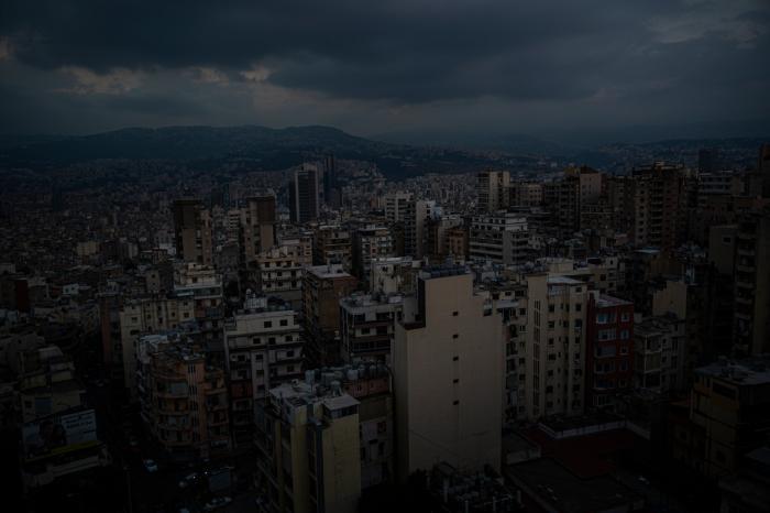 Libanul, cufundat în beznă în plină criză financiară. Cea mai mare parte a țării a rămas fără electricitate