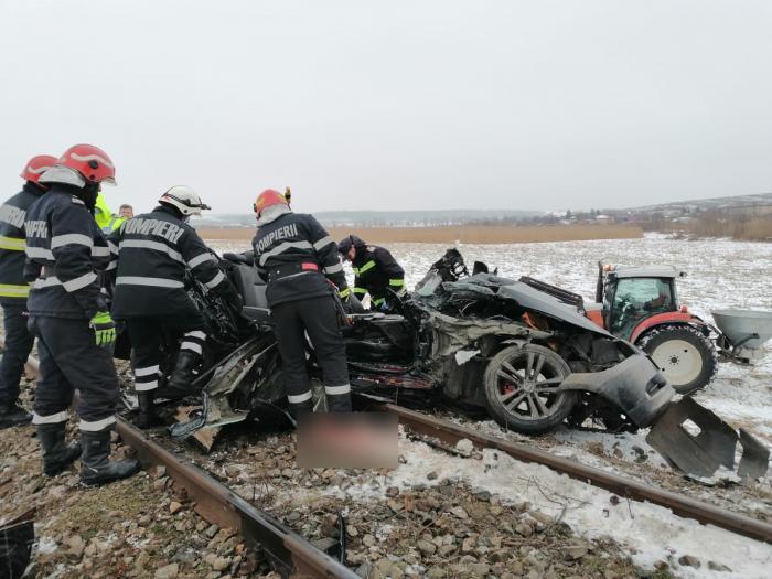 Doi tineri au murit în accidentul de la Vlădeni