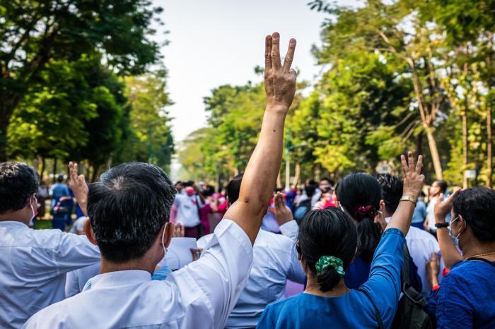 Protestarii din Myanmar au ieşit din nou în stradă