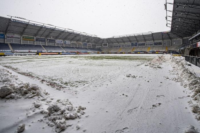 North Rhine-Westphalia: O vedere generală a terenului acoperit de zăpadă de pe Benteler-Arena