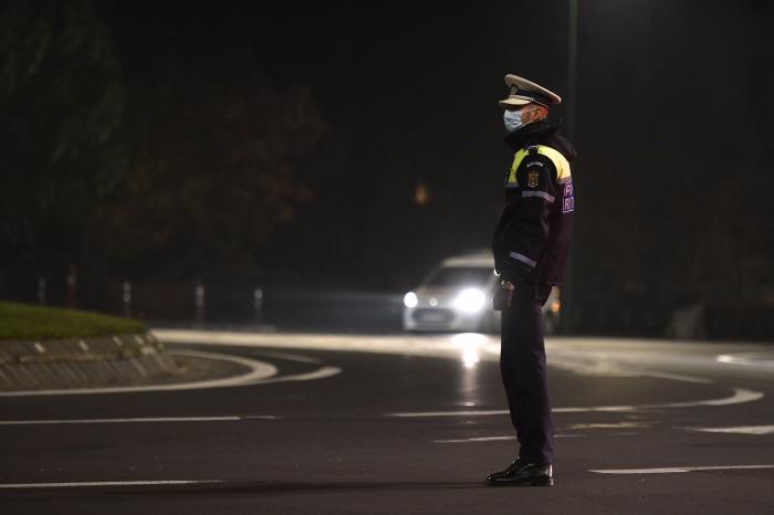 Autorităţile au decis prelungirea restricţiilor în municipiul Bucureşti, pentru încă 14 zile. Măsurile care s-au dispus