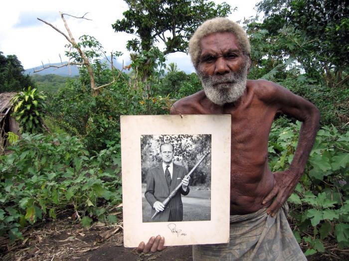 Tribul Vanuatu îl consideră zeu pe prințul Philip