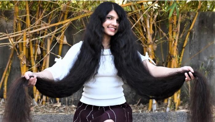 Adolescenta cu cel mai lung păr din lume s-a tuns bob. Cum arată acum tânăra