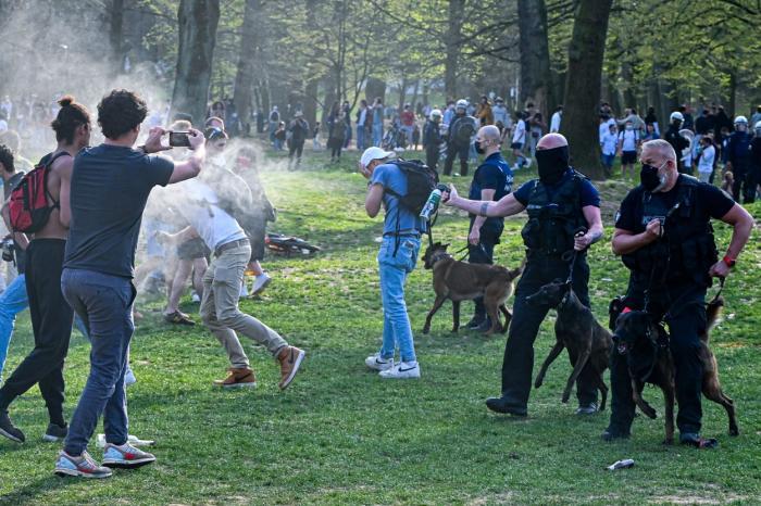Petrecere într-un parc din Belgia, în ciuda restrricțiilor
