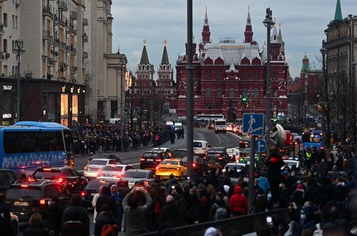 Manifestaţii impresionante în Rusia, în sprijinul lui Navalnîi. Aproape 1.500 de protestatari au fost arestaţi