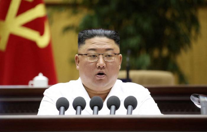De luni de zile există avertismente că oamenii din Coreea de Nord se luptă cu astfel de probleme