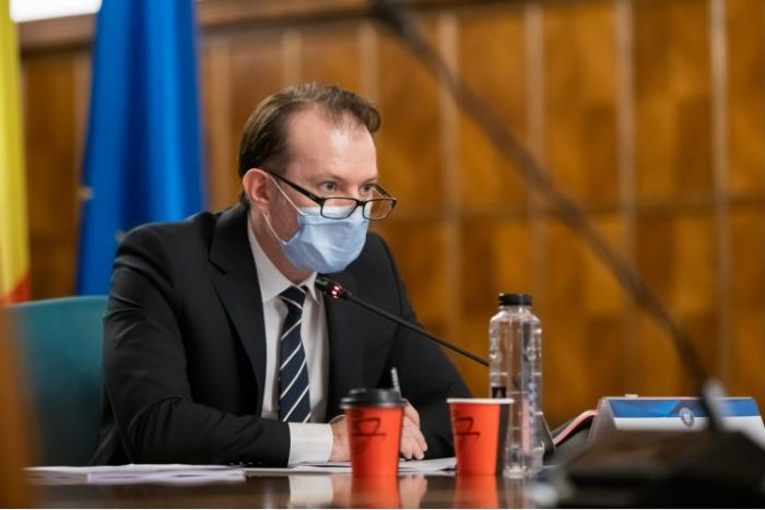"""Premierul Florin Cîţu anunţă când ar putea renunţa românii la mască: """"10 milioane de imunizări până la 1 august"""""""