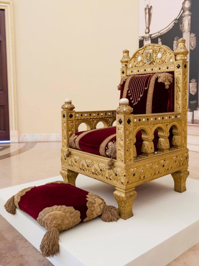 Ziua Regalității. Tronul Regelui Carol I al României, expus pentru prima dată după 70 de ani