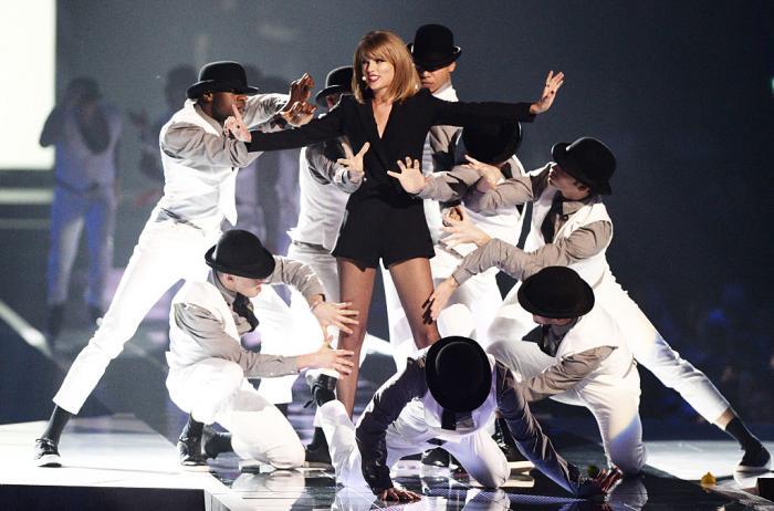 Taylor Swift a scris istorie la Brit Awards