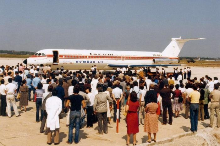 """Avionul prezidențial """"Super one-eleven"""", folosit pentru zborurile oficiale ale președintelui Nicolae Ceaușescu, scos la licitaţie"""