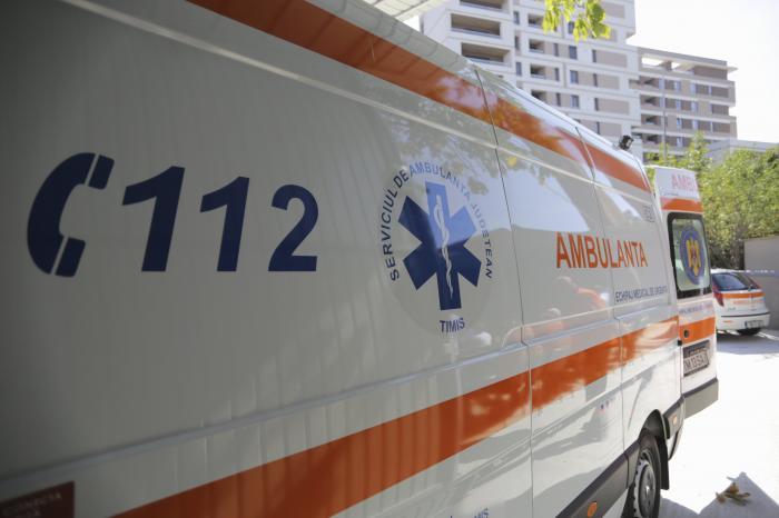 Incident grav într-o şcoală din Bucureşti: Un copil de opt ani a ajuns la spital, după ce un dulap a căzut pe el. Ministrul Educaţiei anunţă o anchetă