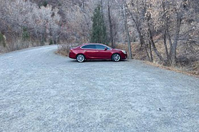 Fotografie cu mașina abandonată de femeia care s-a retras într-o pădure din Utah
