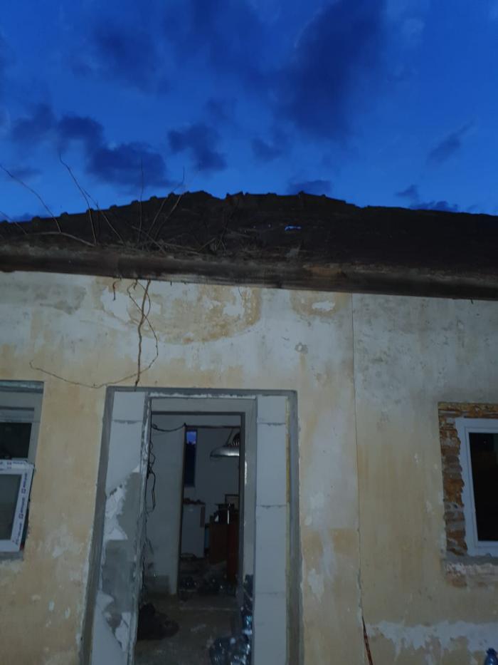 Explozie la mănăstirea Sfântu Gheorghe de lângă Tichilești, Constanța. Un preot şi un călugar au ajuns la spital cu arsuri