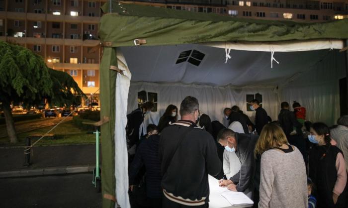 Noapte albă la centrele de vaccinare din Capitală. Peste 10.000 de oameni au fost imunizaţi cu Pfizer