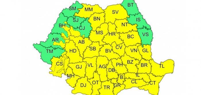 Nu scăpăm de vremea rea! Cod galben pentru mai mult de jumătate din ţară: cum va fi vremea duminică
