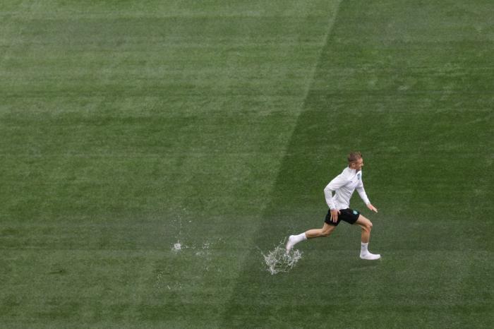 Ploaia torențială i-a împiedicat pe jucătorii naționalei Austriei să se antreneze pe Arena Națională. Terenul a fost inundat