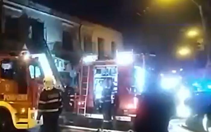 Un bărbat de 35 de ani din Bucureşti a murit după ce i-a luat foc casa. Tânărul nu a mai putut ieşi din flăcări