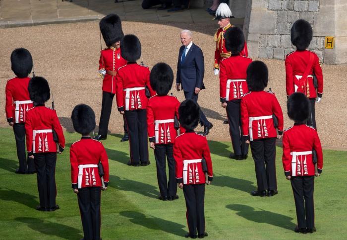 Regina Elisabeta l-a primit pe preşedintele american Joe Biden la Windsor, la finalul summitului G7